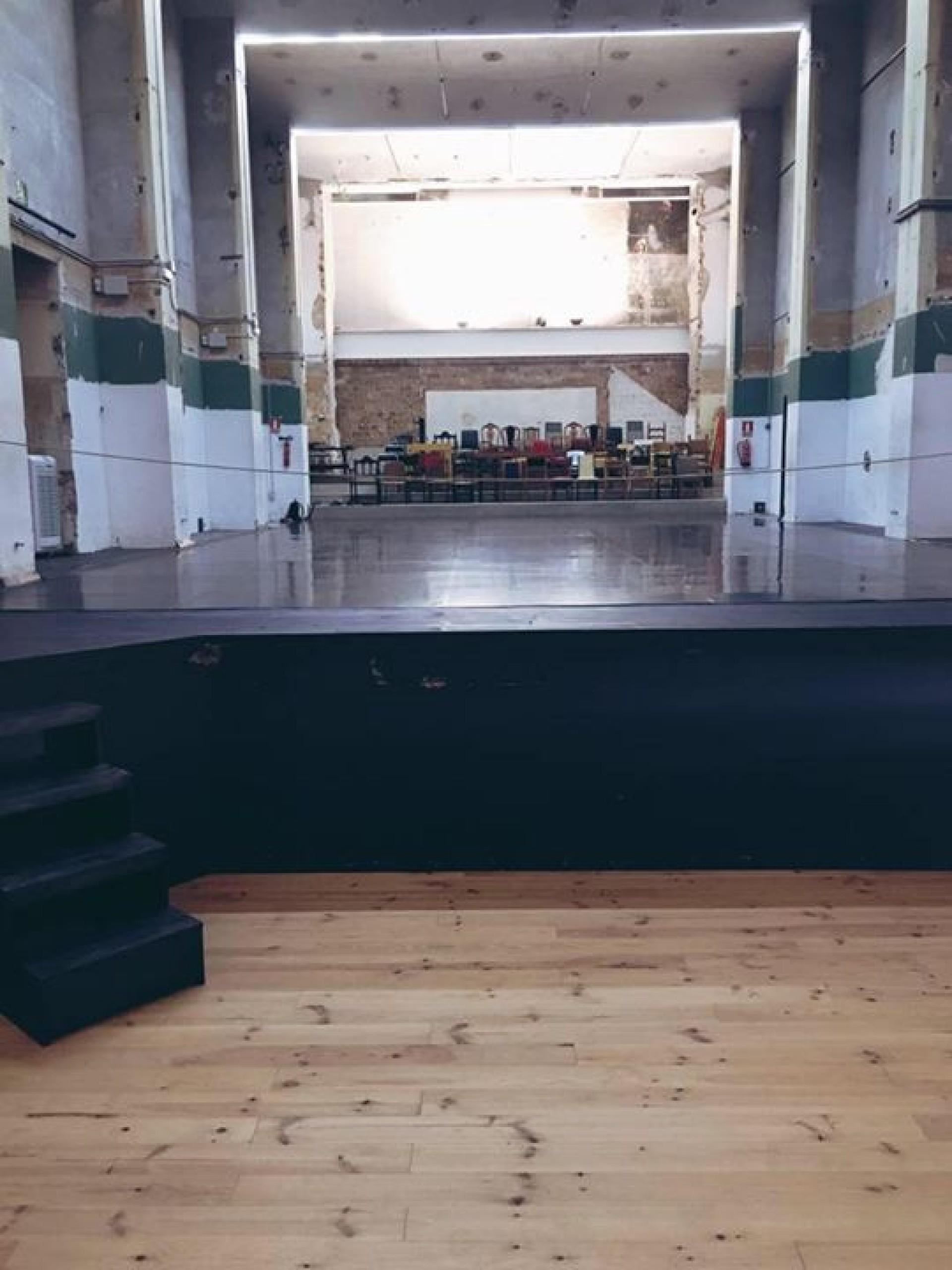 sala gran des del fossat